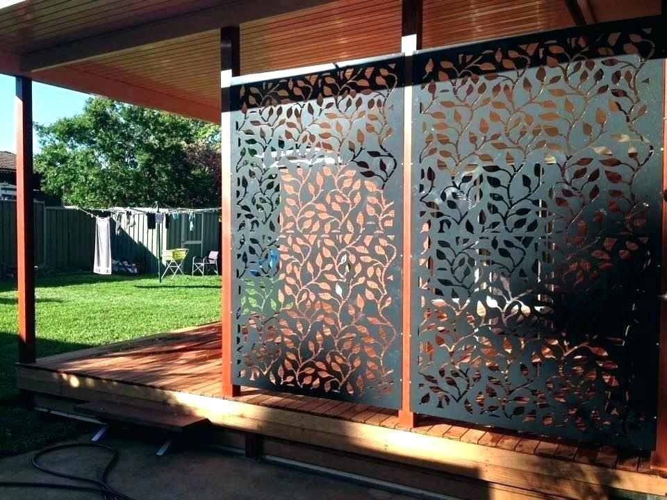 use outdoor privacy screen